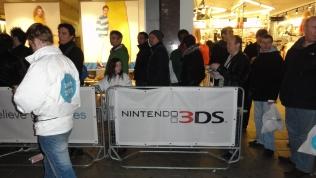 Nintendo 3DS UK Launch Oxford Street HMV (1)