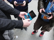 Yoshinori Ono Sharing his me with fans at the London St Pancras 3DS StreetPass Event (3)