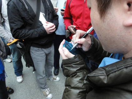 Yoshinori Ono Signing at London 3DS StreetPass Event St Pancras (3)