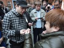 Yoshinori Ono Signing at London 3DS StreetPass Event St Pancras (6)