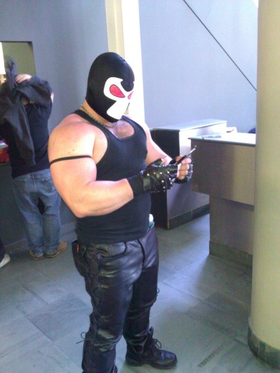 Kapow Comic Con 2011 - Day 2 - Cosplay Competition Winner Bane playing 3DS