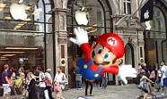 Our man Mario bringing some Nintendo Flare to the Apple Store Regent Street.